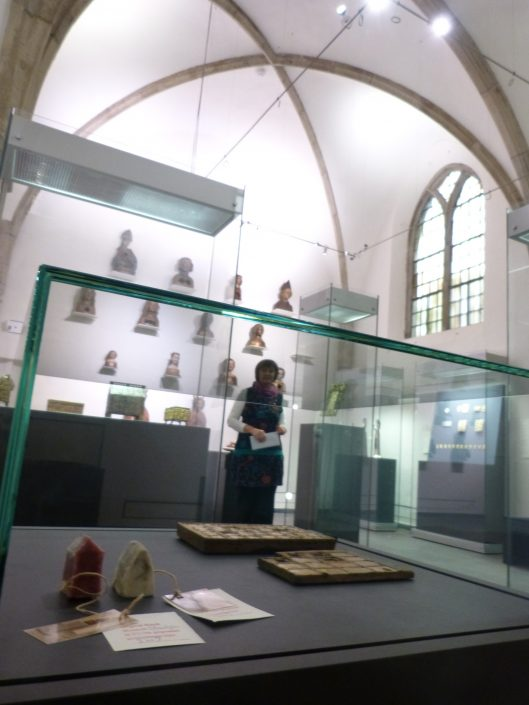 Staubschreine im Museum Schnütgen