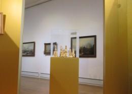 Blick aus dem Goldenen Kubus im Stadtmuseum auf die Staubschreine